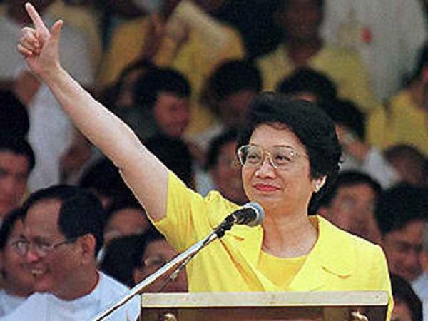 corazon aquino pemimpin wanita negara pertama 2