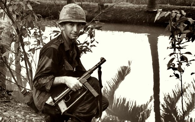 daniel ellsberg whistleblower tukang adu pembocor rahsia kerajaan bertugas di vietnam
