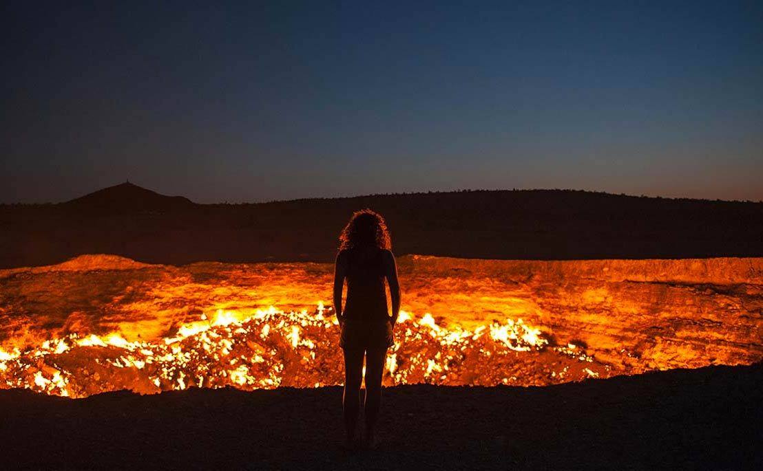 door to hell turkmenistan darvaza gas crater tempat alien