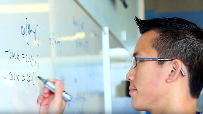 eddie woo anak migran diangkat menjadi hero guru mahaguru matematik australia 6