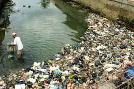 elak pembuangan sampah di sungai