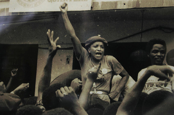 ellen johnson sirleaf pemimpin wanita negara pertama 2