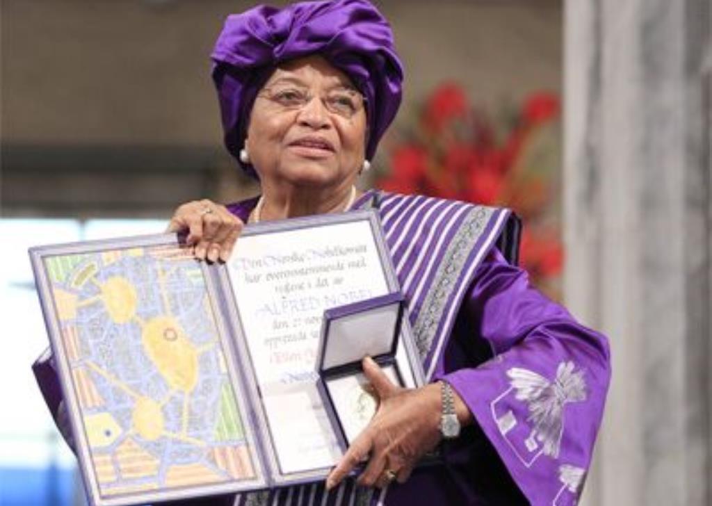 ellen johnson sirleaf pemimpin wanita negara pertama