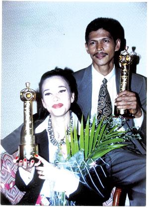eman manan menang anugerah pelakon lelaki terbaik filem bintang malam