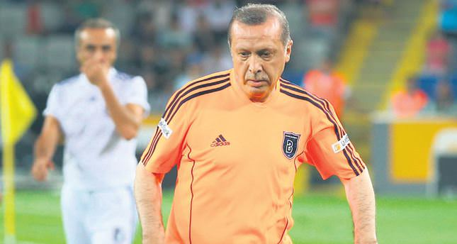 erdogan presiden turki main bola sepak