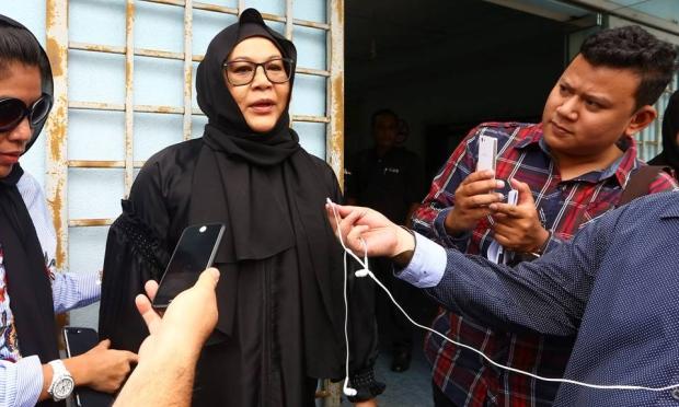 erma fatima dan bade azmi bercerai talak satu selepas 27 tahun perkahwinan 2