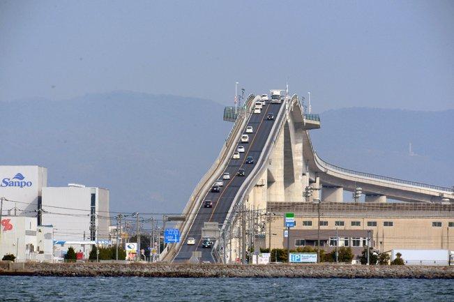 eshima ohashi jambatan paling pelik di dunia