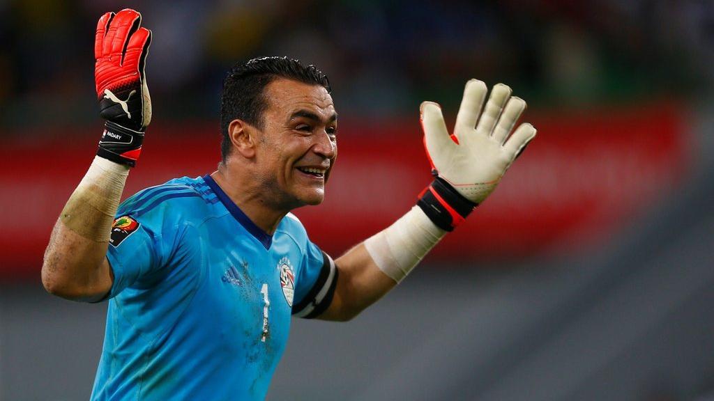 essam el hadary penjaga gol pasukan kebangsaan mesir