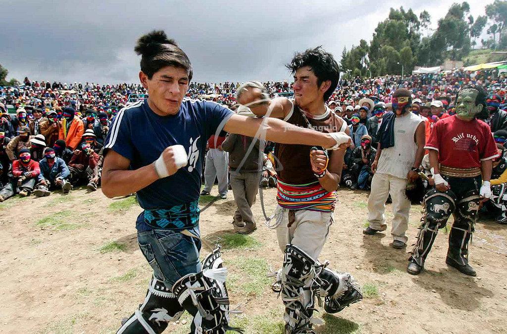 festival pertarungan krismas takanakuy di chumbivilcas peru 600