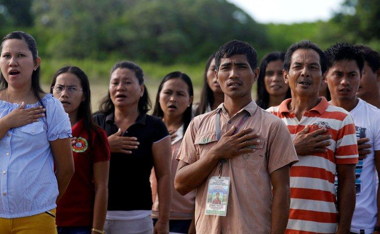 filipina 10 negara dengan populasi paling pendek di dunia