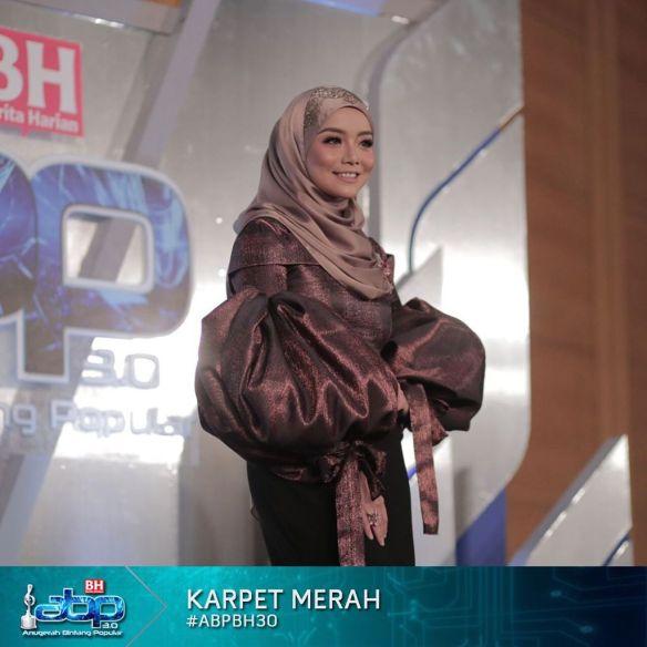 foto fesyen selebriti di karpet merah abpbh30 12