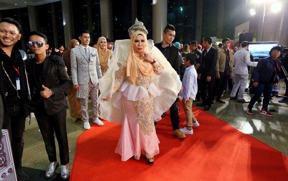 foto fesyen selebriti di karpet merah abpbh30 19
