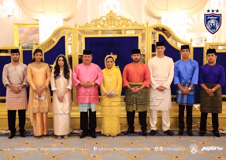 foto foto majlis pertunangan dan pernikahan tunku tun aminah 14