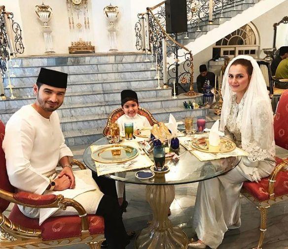 foto sekitar majlis akad nikah juliana evans dan tengku sharifuddin 6