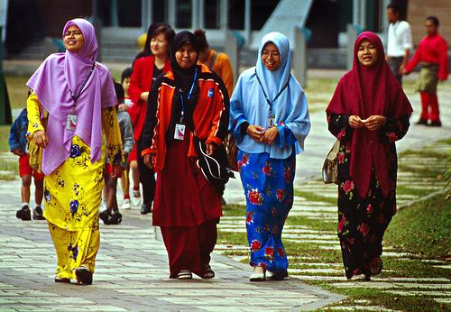 gadis bertudung di malaysia