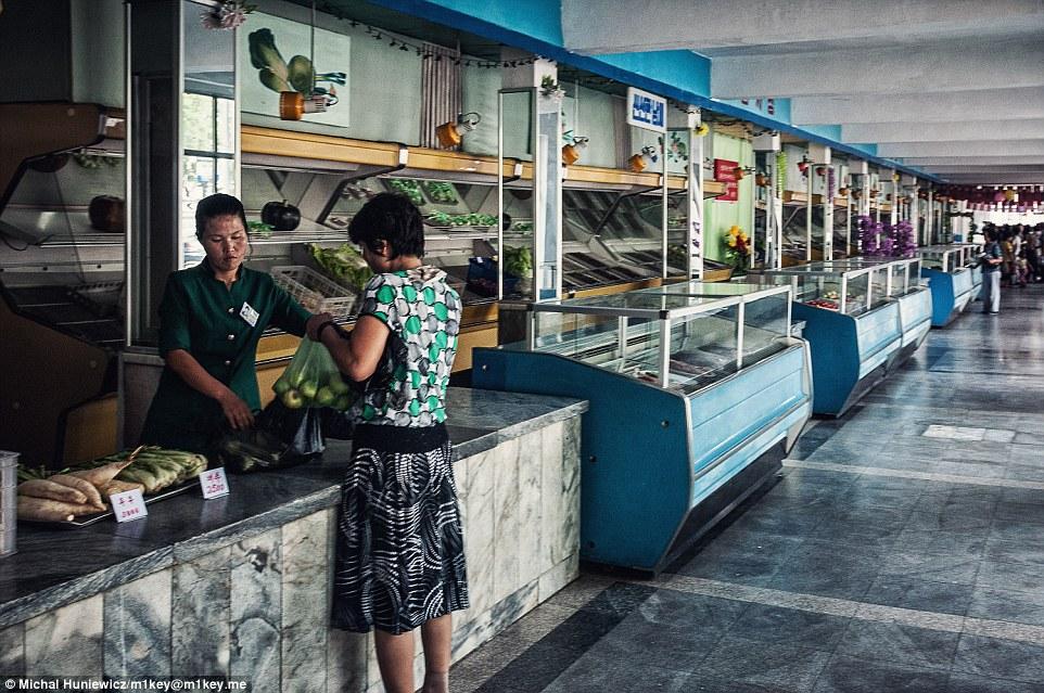 gambar haram yang berjaya diseludup keluar dari korea utara 12