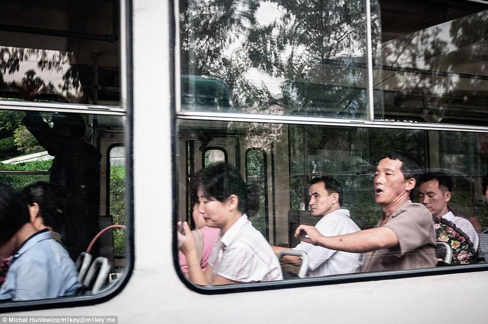 gambar haram yang berjaya diseludup keluar dari korea utara 16