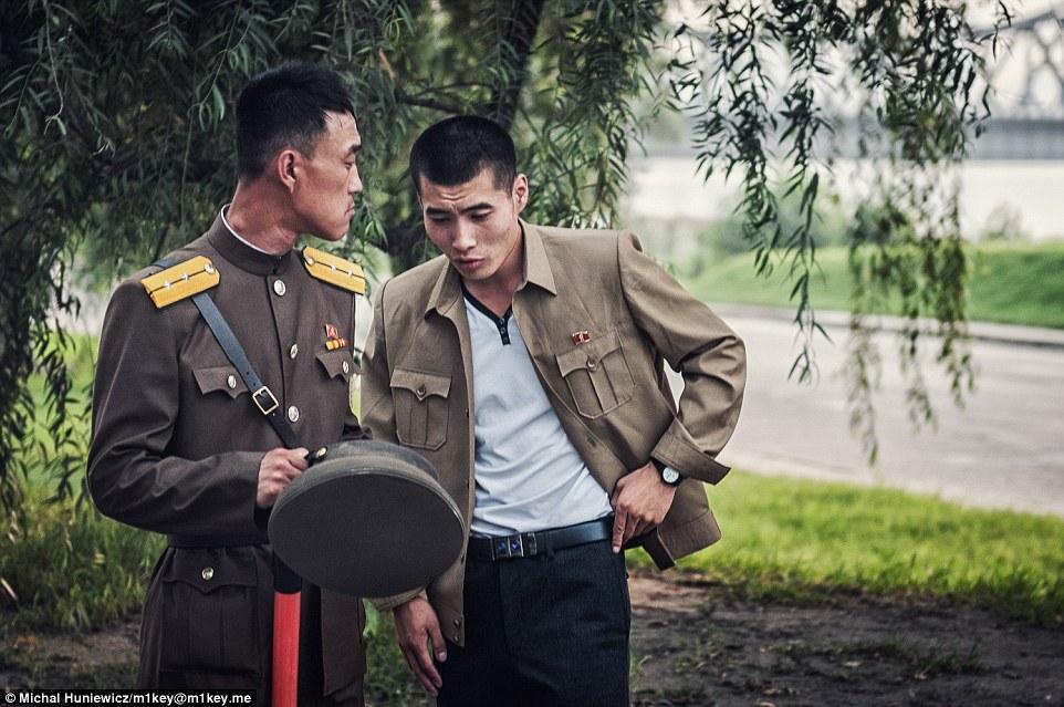 gambar haram yang berjaya diseludup keluar dari korea utara
