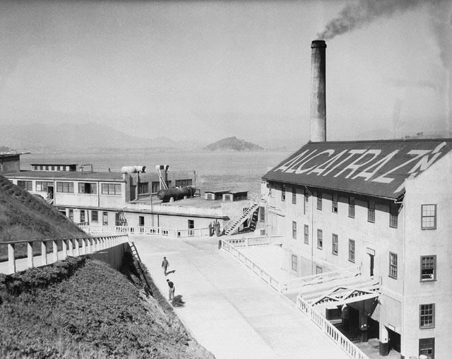 gambar lama kubu pertahanan amerika sebelum menjadi penjara alcatraz