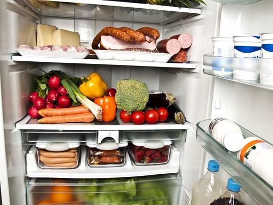 gambar peti sejuk penuh makanan