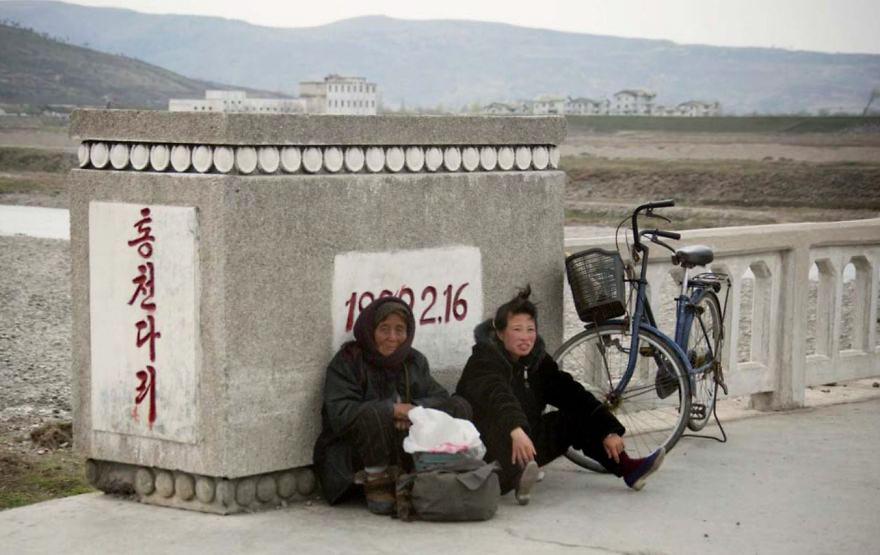 gambar yang haram diambil di korea utara 10 387