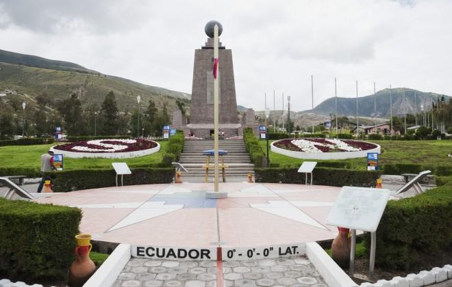garisan khatulistiwa di ecuador