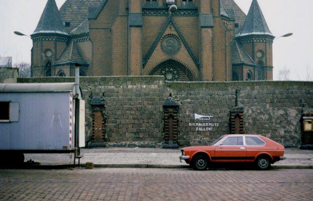 gereja di tembok berlin