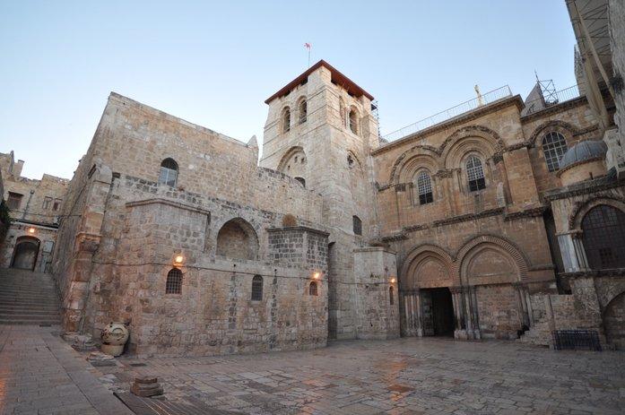 gereja makam suci di baitulmaqdis