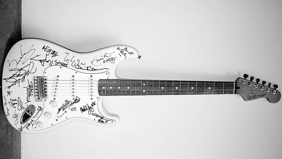 gitar fender stratocaster reach out to asia 390