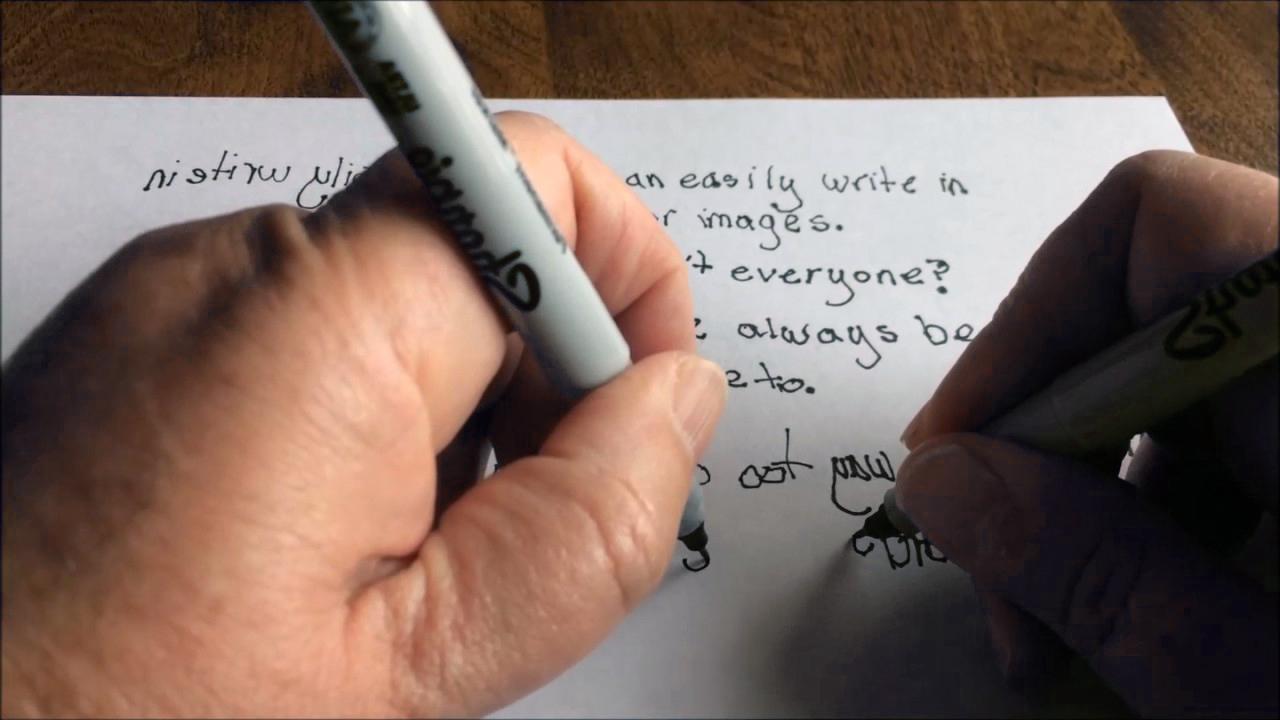 golongan yang boleh menulis menggunakan tangan kanan dan tangan kiri