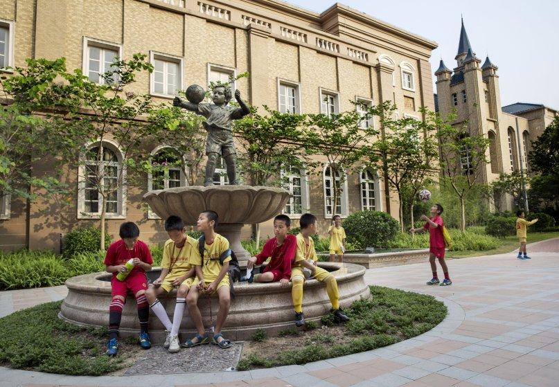 guangzhou evergrande akademi bola sepak terbesar di dunia 04