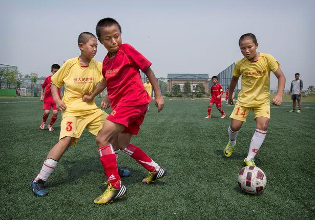 guangzhou evergrande akademi bola sepak terbesar di dunia 13