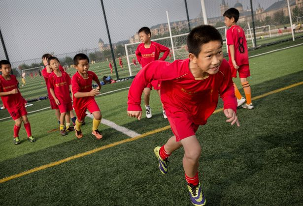 guangzhou evergrande akademi bola sepak terbesar di dunia 6