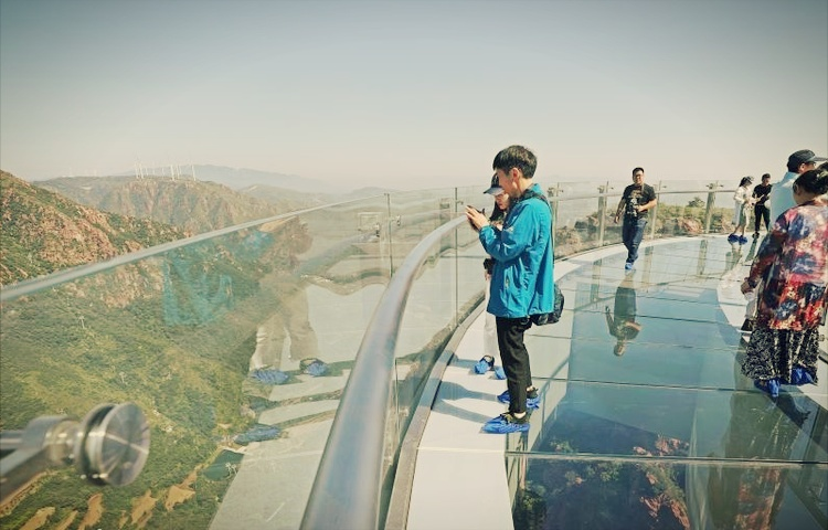 gunung fuxi china jambatan ekstrem tarikan pelancong