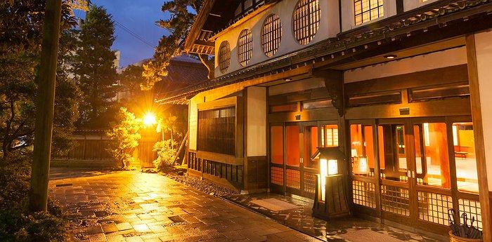 h shi ryokan syarikat tertua hotel di dunia