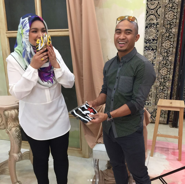 Siti Nurhaliza - Hadiah Daripada Hati