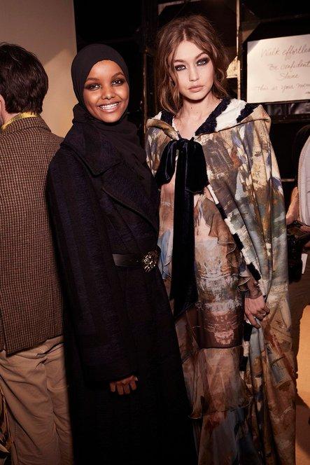 Gadis pelarian ini menjadi supermodel berhijab pertama di