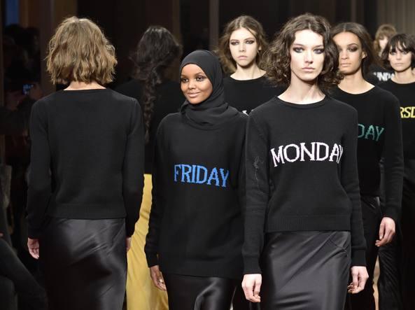 halima aden supermodel muslimah pertama dunia 7