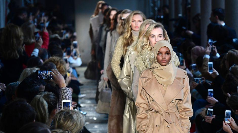 halima aden supermodel muslimah pertama dunia