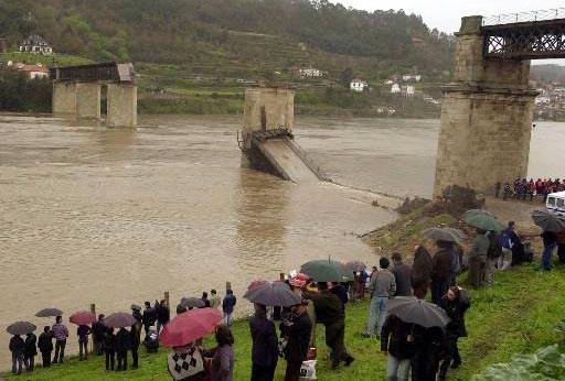 hintze ribeiro tragedi jambatan runtuh