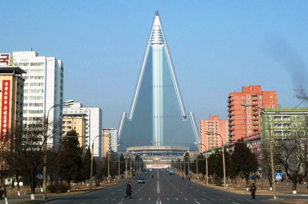 hotel ryugyong 5 tempat pelik di korea utara 2
