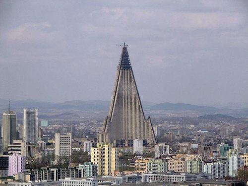 hotel ryugyong 5 tempat pelik di korea utara 4 881