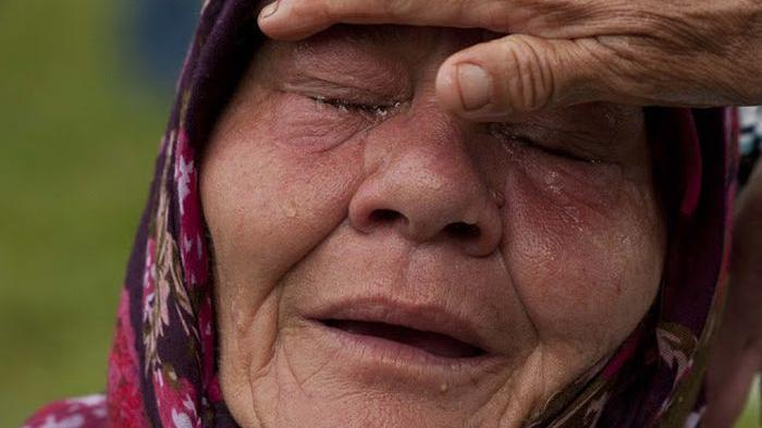 ibu menangis
