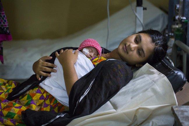 ibu tumpang di india