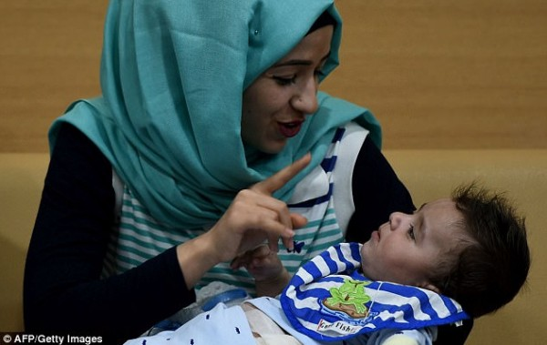 iluminasi bayi karam pembedahan iraq india
