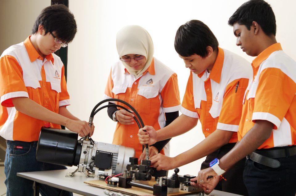 iluminasi panduan pelajar jurutera 14