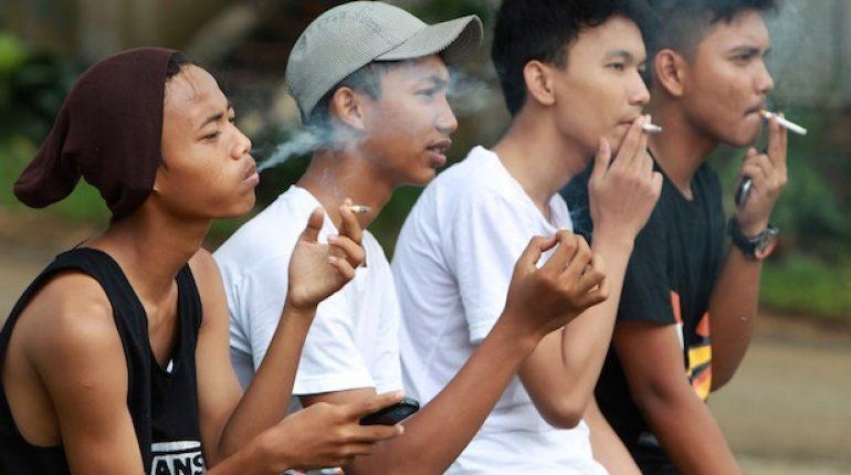 iluminasi rokok ramadan