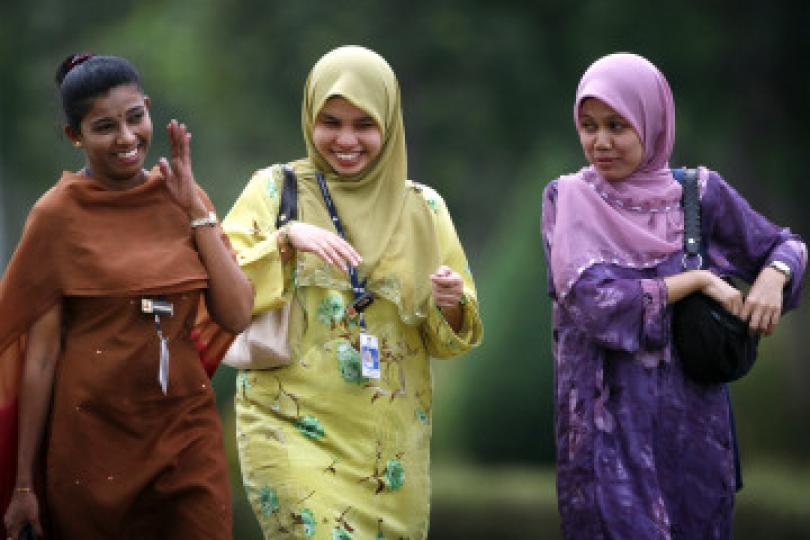 iluminasi salah tanggapan muslim malaysia4 143