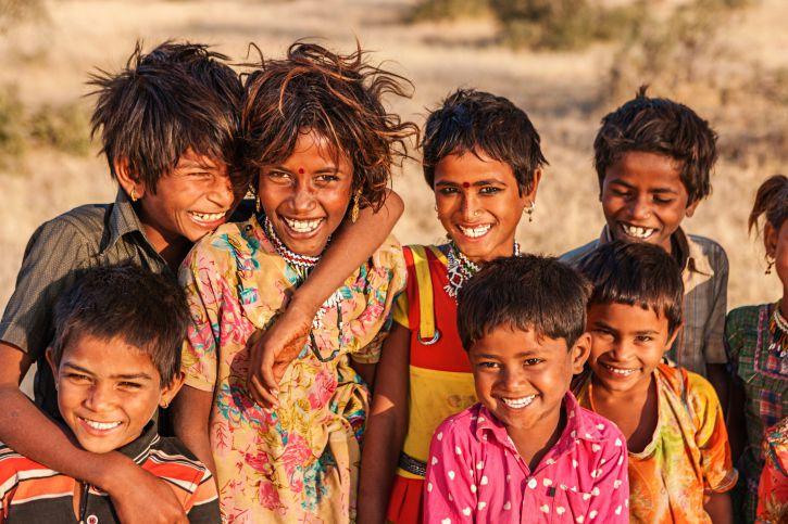 india 10 negara dengan populasi paling pendek di dunia