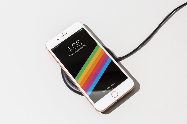 iphone 8 juga mempunyai fast charging tanpa wayar seperti iphone x
